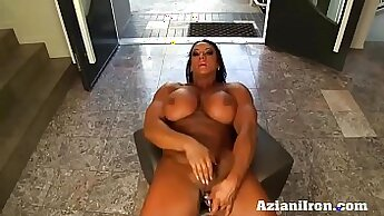 Ashley cootie rub & play with clit