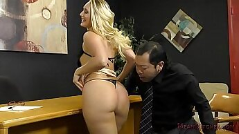 AJ Applegate toying her all holes and exposing her sexy ass