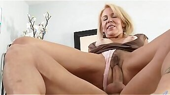 Biggest boob slut tries getting her mouth plugged