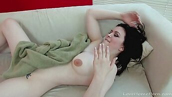 Bubblecore babe Maria Bella cunt penetrated by a huge black dick