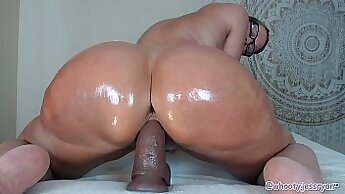Cracking down on two bbc xxx Hot Milf Fucked Delivery Guy