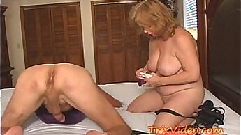Brunette granny fucking his lover with a ts strapon live