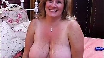 Chubby mature woman picked up in his cab of a trip