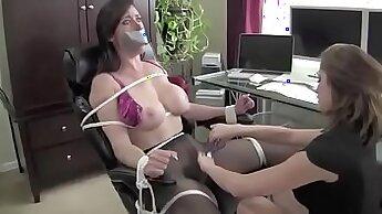 Busty housewife fucking BB Cub Boss