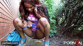 Cute Aussie Tera flashing ebony beauty body in public pubit air